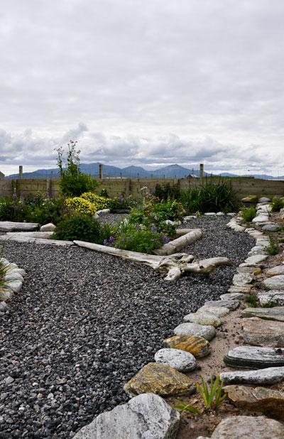 inbetween-garden1